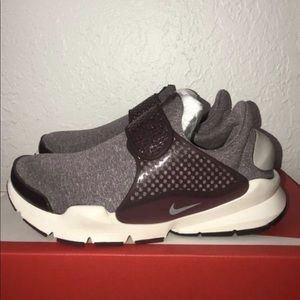 Nike Shoes - New Nike Woman's Sock Dart Shoes